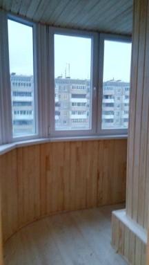 Установка радиального балкона с обшивкой