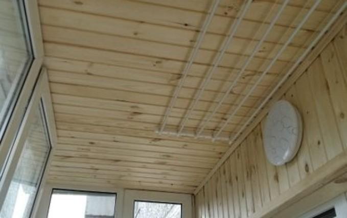 Обшивка балкона, утепление, установка электрики 1