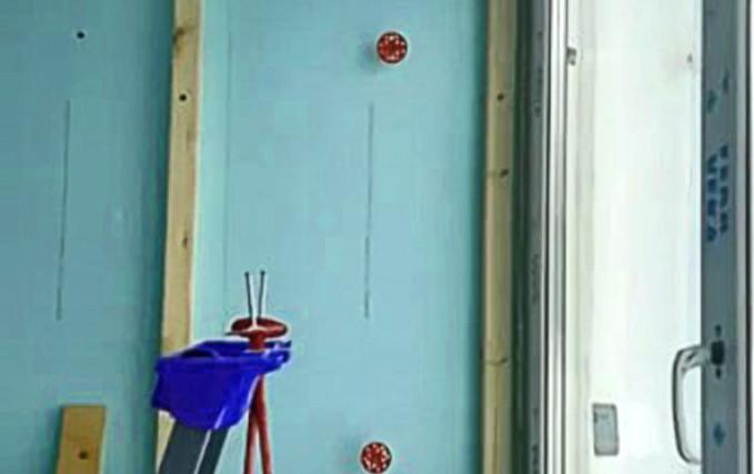 Остекление и переделка балкона в рабочее пространство 5