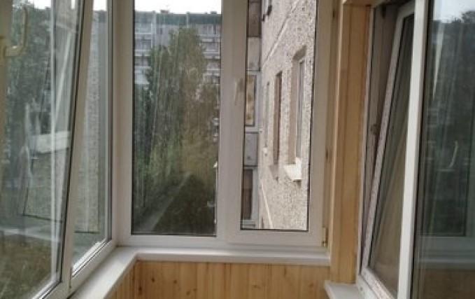Обшивка балкона, утепление, установка электрики 2