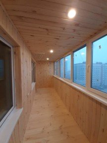Работы по остеклению и обшивке балкона