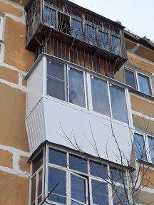Уютный балкончик с выносом