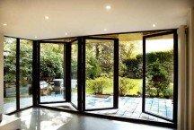 Окна с фурнитурой «комфорт» для квартир и коттеджей, раздвижные системы с различными вариантами открывания